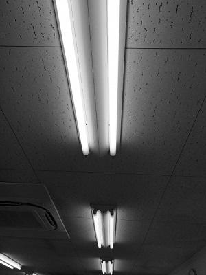 わが家の蛍光灯の寿命!チカチカ点滅する原因は?