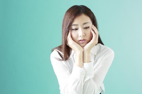目の周りのむくみの治し方は?簡単にできる3つの方法