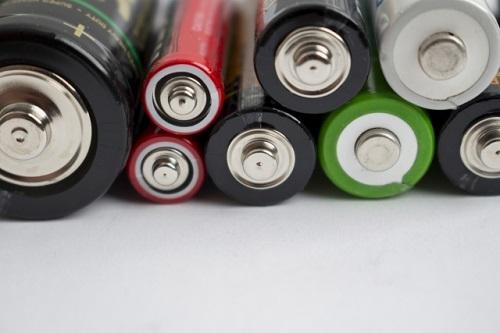 乾電池の廃棄方法。捨て方は燃えるごみでいいの?