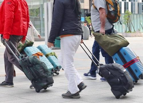 スーツケースベルトは必要なの?十字にした方がいいの?