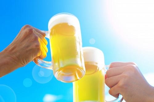 熱中症対策でアルコールは飲んで良いの?